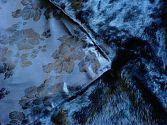 Pelzdecke aus schwarzem Kaninchenfell Nr5 Kiki in 36.240 Rosen - Detail der Rückseite