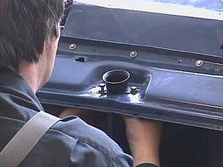 Motorhaubenverschluß